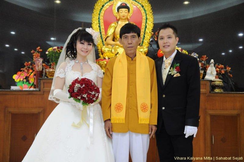 pemberkatan-pernikahan-buddhis4