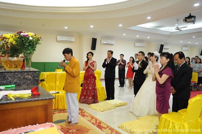 pemberkatan-pernikahan-buddhis5